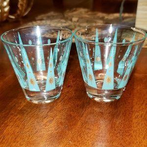 Set of 2 Vintage Liquor Glassware